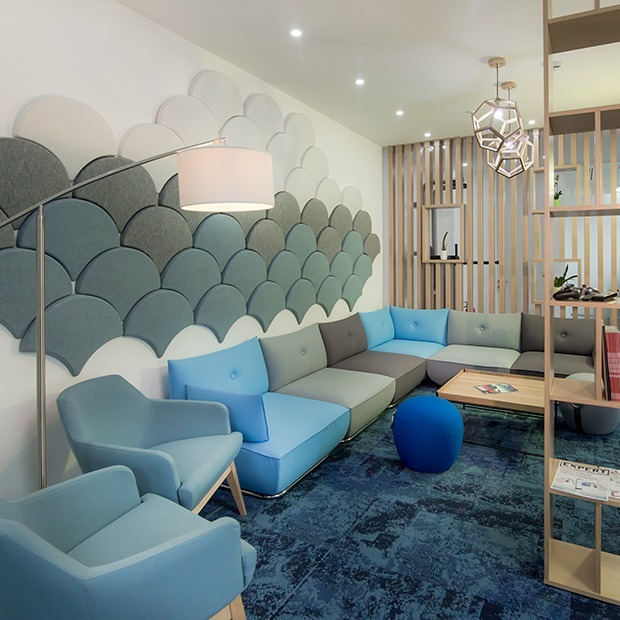 Как выглядит офис McKinsey  — Офис на The Village Казахстан