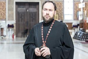 «Камин-ауты — это модно»: Столичный священник — о подарках, мусульманах и Байзаковой