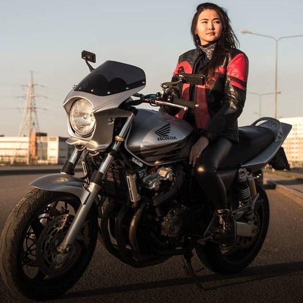 «На дороге помни — все хотят тебя сбить»: Мотоциклисты Астаны  — Люди в городе на The Village Казахстан