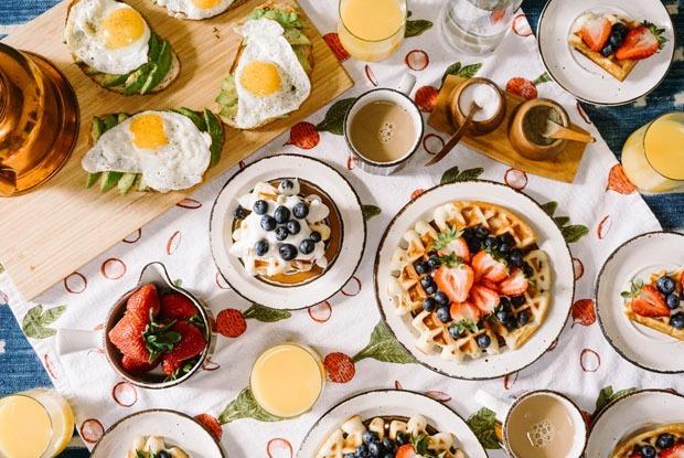 12 мест для завтрака в Алматы
