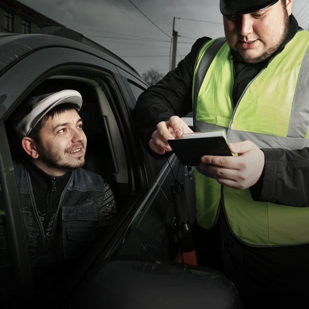 Таксист Русик ― о конкурентах, заработке и блокировках ютуба — Интервью на The Village Казахстан