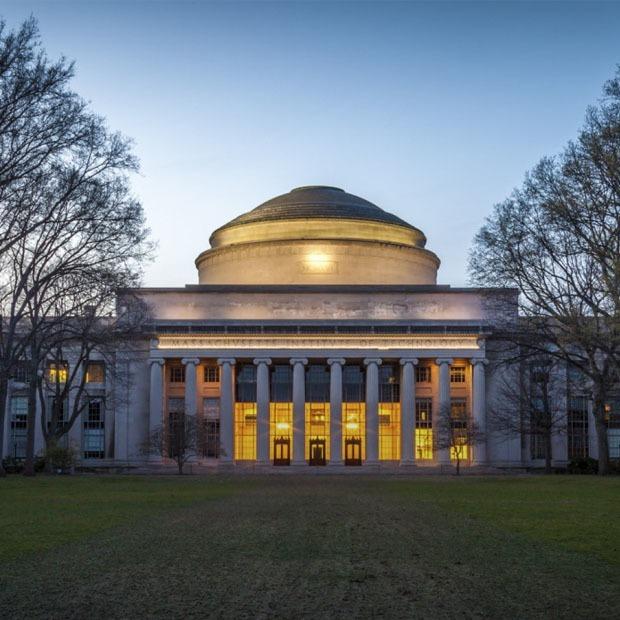 Я учусь в MIT
