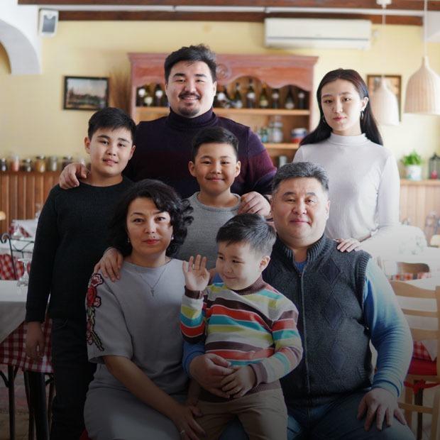 «Я не обвиняю государство»: Многодетные мамы — о буднях, ответственности и господдержке — Люди в городе на The Village Казахстан