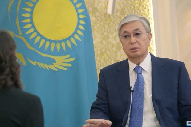 Токаев и Немцова: Что об интервью президента говорят в интернете — Реакция на The Village Казахстан