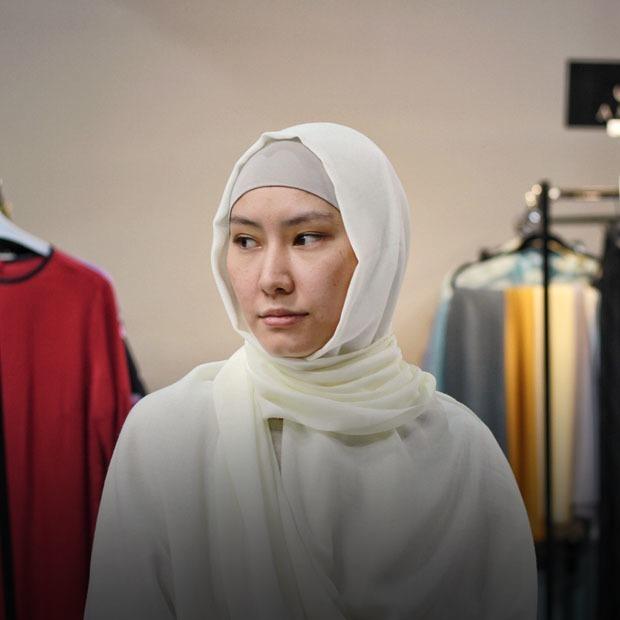 «Нужно ценить свой платок»: Мусульманки о хиджабах — Люди в городе на The Village Казахстан