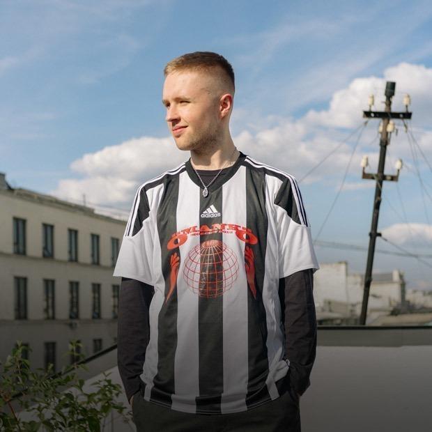 Как парень из Казахстана бросил все, уехал в Москву и создал популярное медиа о культуре улиц — Истории на The Village Казахстан