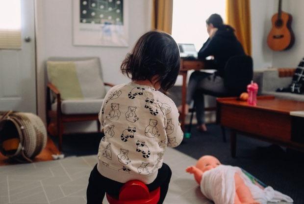 Карантинде баланың жүйкесін қалай сақтауға болады? — Qazaqsha на The Village Казахстан