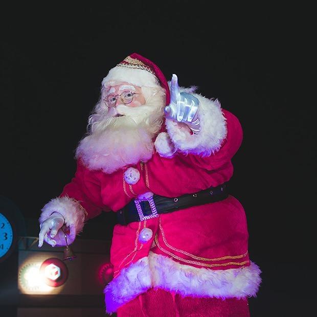 Забег обещаний, рождественские истории и теаджаз в «ARTиШОК»