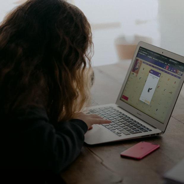 Что происходит с онлайн-образованием после весеннего провала? Истории детей, родителей и учителей