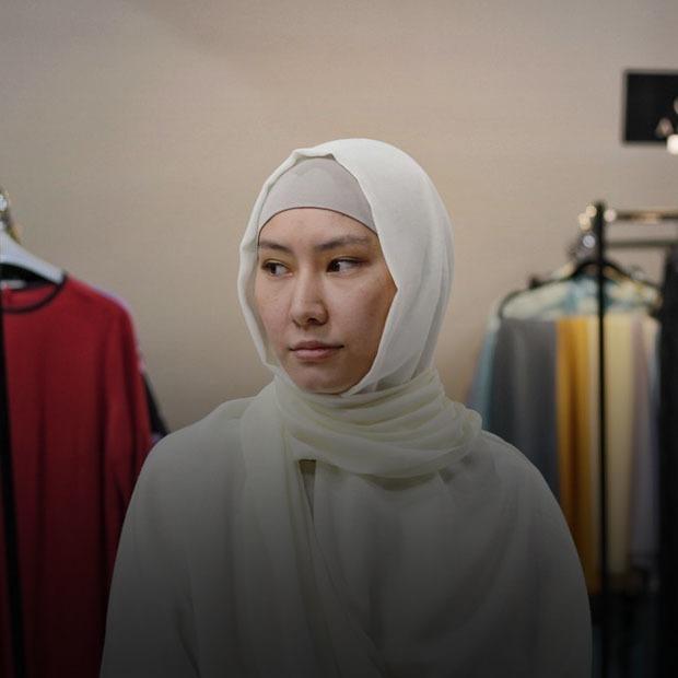 «Өз орамалыңды құрметтеуің керек»: Мұсылман қыздардың хиджаб туралы ойлары  — Qazaqsha на The Village Казахстан