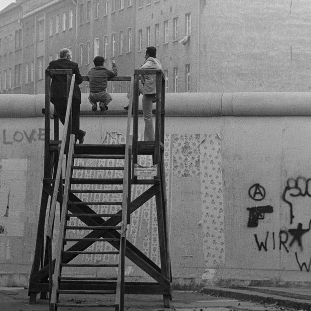 Спектакль «Зовите меня Джордж», открытие немецкой фотовыставки и показ фильма «Одинокий мужчина» — Гид The Village на The Village Казахстан