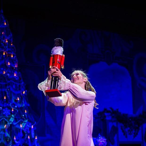 Билокальная выставка, рок-концерт Where Are You Santa и премьера балета «Щелкунчик» — Выходные в городе на The Village Казахстан