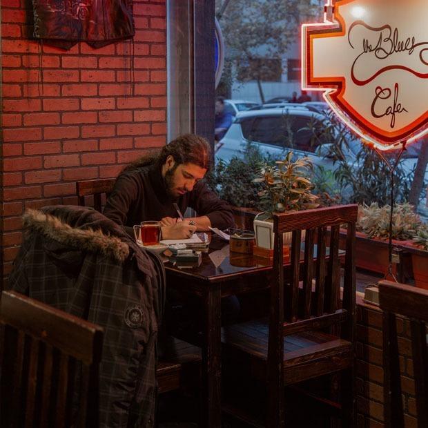 Любовь к одиночеству: Как казахстанцы празднуют 14 февраля без пар