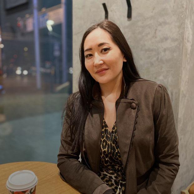 Қазақстанда етсіз өмір сүру мүмкін бе? Дәстүрлі отбасыдан шыққан веганның әңгімесі — Qazaqsha на The Village Казахстан