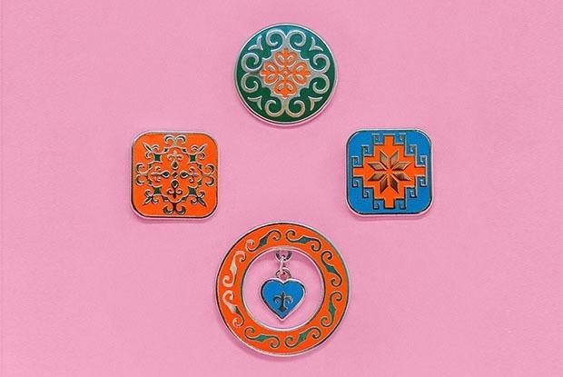 Пины с казахским орнаментом  — Покупка недели на The Village Казахстан