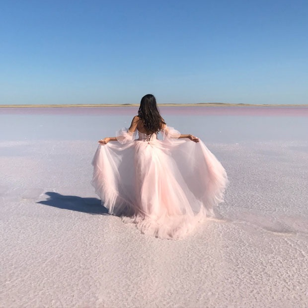 Розовое озеро в Казахстане: Как туда добраться и что там делать? — Путешествия на The Village Казахстан