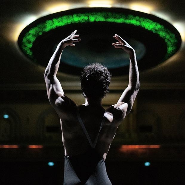 Я работаю в ГАТОБ: Артист балета и оперная певица