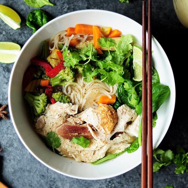 Где в Алматы можно попробовать аутентичную азиатскую еду?