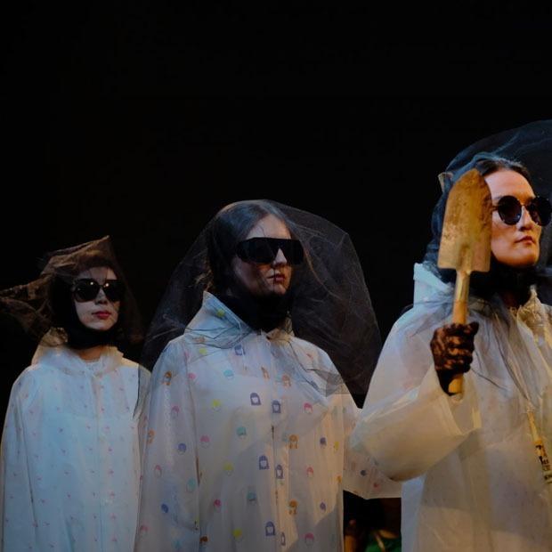 Спектакль «Филумена», поездка на плато «Ассы» и рейв-вечеринка в BULT — Выходные в городе на The Village Казахстан