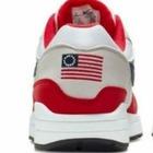 Скандал вокруг Nike: Компанию обвиняют в расизме