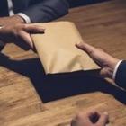 Ректора Карагандинского университета подозревают в даче взятки