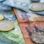 Социально-уязвимые казахстанцы получат выплаты за продуктово-бытовые наборы