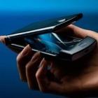 Motorola выпустили смартфон-«раскладушку» с гибким экраном