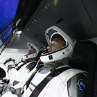 Впервые за 10 лет астронавты должны были лететь из США. Однако старт отменили