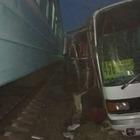 Авария поезда с автобусом: Дети находятся в тяжелом состоянии