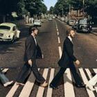 Пол Маккартни снова пересек улицу с Abbey Road