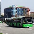 В Алматы продлили время работы общественного транспорта