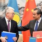 Китай поблагодарил Казахстан за позицию по воспитательным лагерям в КНР