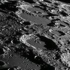Японский миллиардер ищет девушку для полета на Луну