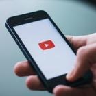 Бывший модератор YouTube подала на соцсеть в суд из-за испорченной психики