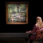 Картину Бэнкси «Покажи мне Моне» продали почти за 10 миллионов долларов