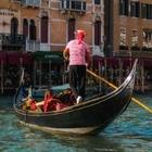 В Венеции сократили вместимость гондол — туристы стали слишком много весить