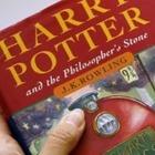 Британец продаст редкий экземпляр книги о Гарри Поттере за 11 миллионов тенге
