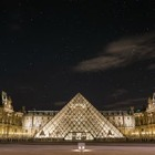 У Лувра международный конкурс: можно написать эссе и провести ночь в музее!