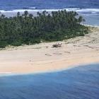 Гигантская надпись SOS спасла трех мужчин с необитаемого острова