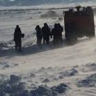 В ВКО из снежного заноса эвакуировали более 300 человек