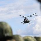 Казахстанские спасатели доставили в Бишкек пострадавших при крушении вертолета у пика Хан−Тенгри