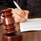 Полицейский в Кокшетау получил взятку офисным креслом. Его лишили звания