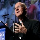 Папа Римский и американский священник обсудили права ЛГБТ-католиков