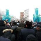 Активисты ДВК проводят митинг у памятника «Рассвет свободы» в Алматы