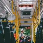 Алматинцы смогут пожаловаться на переполненные автобусы