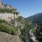 Сербский отшельник вышел из пещеры и вакцинировался
