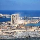 В Бейруте спустя год после взрыва поставили памятник