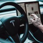 Илон Маск: В Казахстане появится официальный центр Tesla