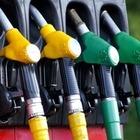 Цена нефти Brent превысила 74 доллара впервые за два года
