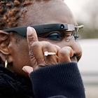 Новые очки от Google Glass помогут слепым распознавать окружающие предметы